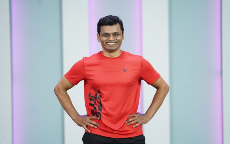 Walk Fitness with Dumbbells